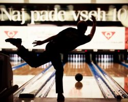 Best Entry-Level Bowling Ball: A Quick Guide for Buyers